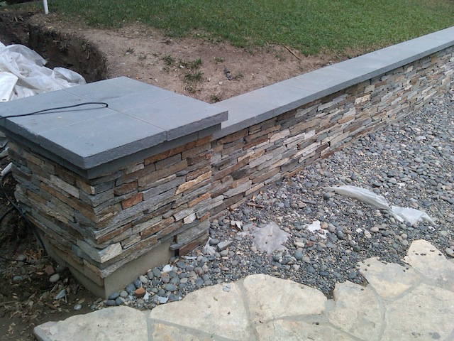 Planter Wall With Masonry Stone Cladding And Los Angeles